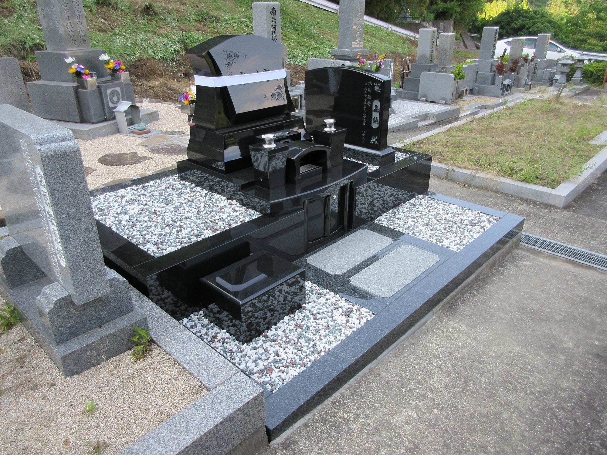 水川家の墓